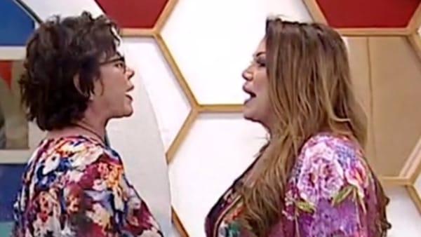 Grande Fratello Vip, lite in diretta tra Corinne Clery e Serena Grandi: tra accuse ed insulti
