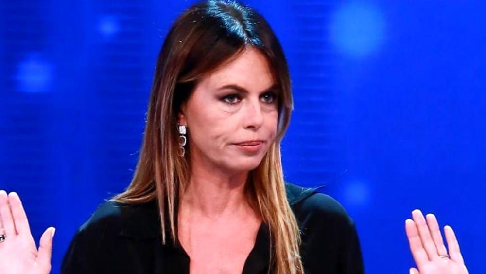 """Paola Perego torna in tv: """"Attaccata al muro da un politico"""""""