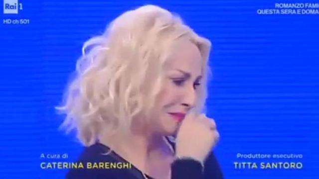 Antonella Clerici in lacrime alla Prova del Cuoco, è morto il suo compagno a quattro zampe (VIDEO)