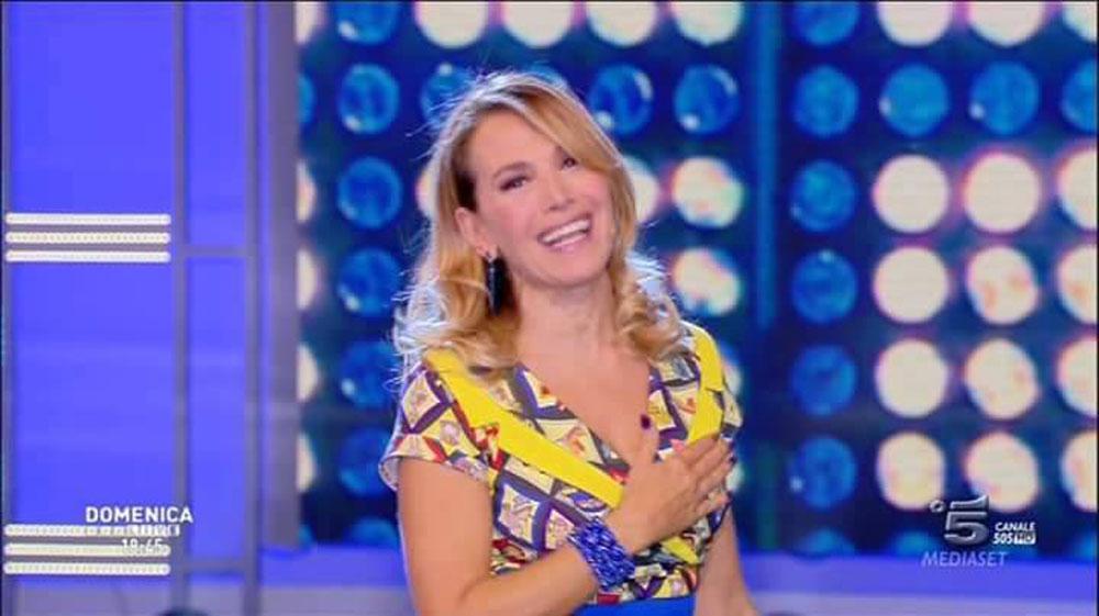 """Domenica Live torna con una """"esclusiva mondiale"""", Barbara d'Urso intervistata da """"Il Giornale"""""""