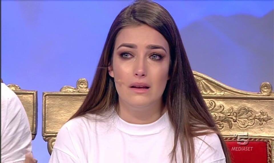 Uomini e Donne, Oggi: Nilufar Addati in lacrime