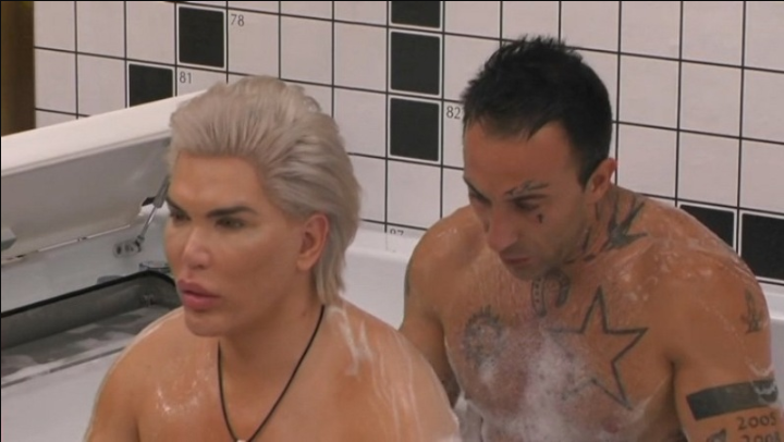 GF15, Simone Coccia e Rodrigio Alves approccio ravvicinato nella vasca?