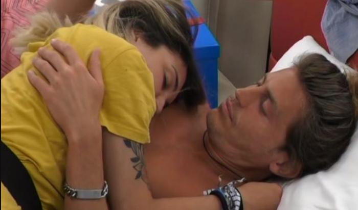 GF 15, veronica Satti e Alberto Mezzetti si sono baciati