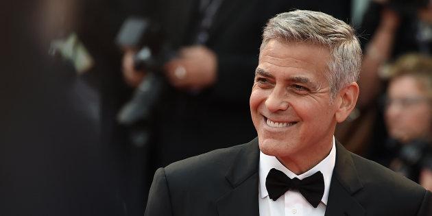Incidente in moto per George Clooney, lascia l'ospedale