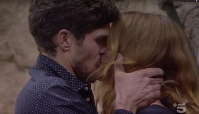 Elia Fongaro al GF Vip per Jane: scoppia la passione tra i due