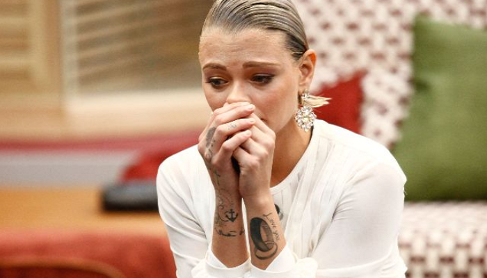"""GF Vip, Giulia Provvedi si sfoga: """"Non devo mollare"""""""