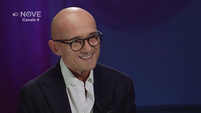 """Alfonso Signorini su Silvio Berlusconi: """"Per lui mi butterei dal balcone"""""""