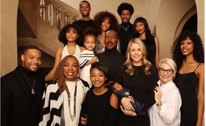 La prima foto di Eddie Murphy con i 10 figli-E tra loro c'è anche Angel, avuta da Mel B