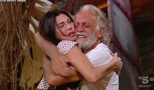 """Riccardo Fogli su Karin: """"Non credo a niente, mi fido dell'amore che provo"""""""