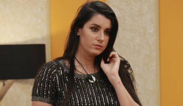 Valentina Vignali ha preso 10 kg al GF16: l'ex gieffina replica alle critiche