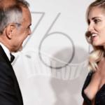 Chiara Ferragni mostra il seno sul red carpet al Festival di Venezia