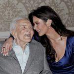Kirk Douglas a 102 anni si rivede in foto con Catherine Zeta-Jones