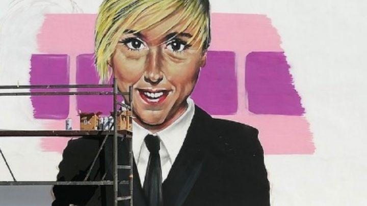Nadia Toffa appare sui muri di Taranto: la città omaggia la conduttrice con un murale