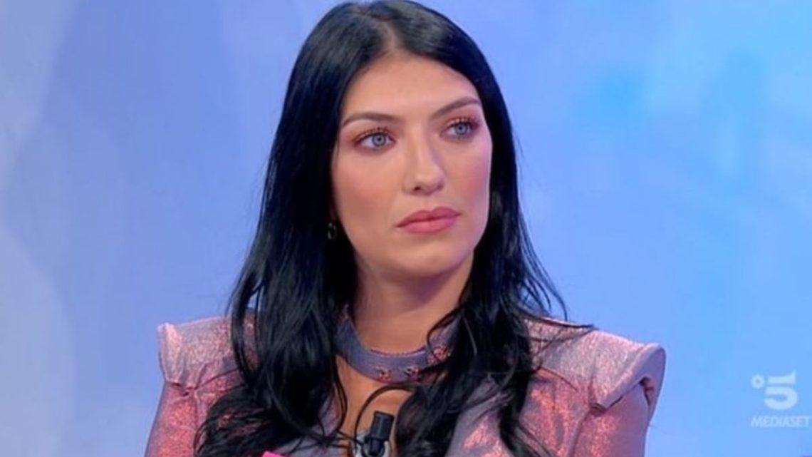 """Giovanna Abate parla di Giulio Raselli: """"Una voce mi dice di allontanarmi prima di soffrire troppo"""""""