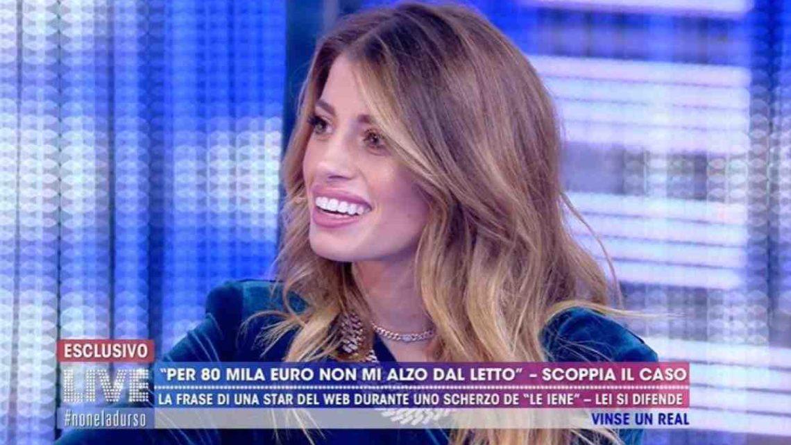 """Chiara Nasti ironizza sulla gaffe della d'Urso: """"Non si confonderanno quando faranno il bonifico"""""""
