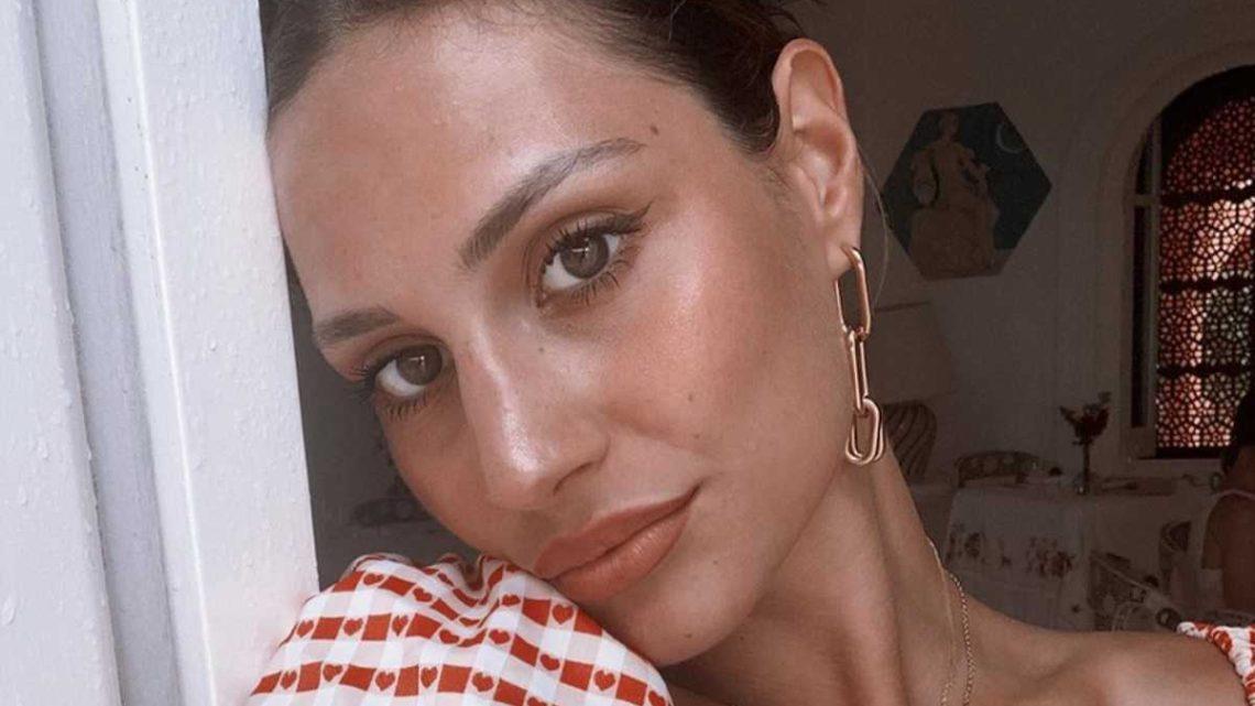 """Beatrice Valli, news sulla gravidanza: """"C'era qualcosa che non andava, dovrò partorire prima"""""""