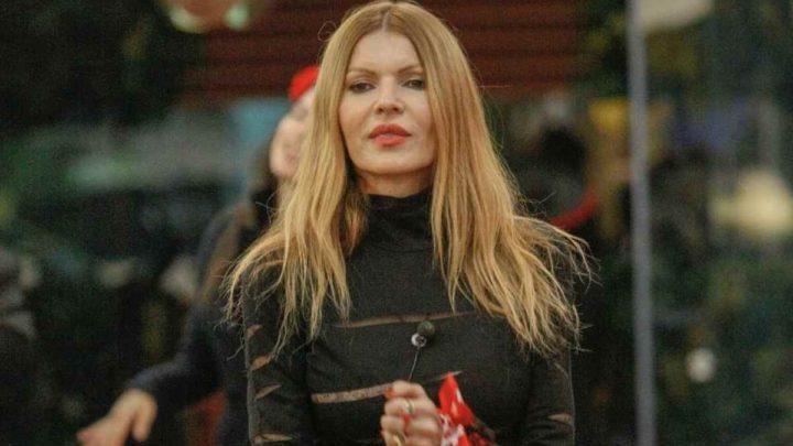 Rita Rusic hot al Grande Fratello Vip: beccata nella notte mentre si tocca