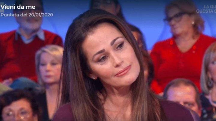 """Samantha de Grenet a Vieni da me svela: """"Sono stata male, mi sono operata"""""""