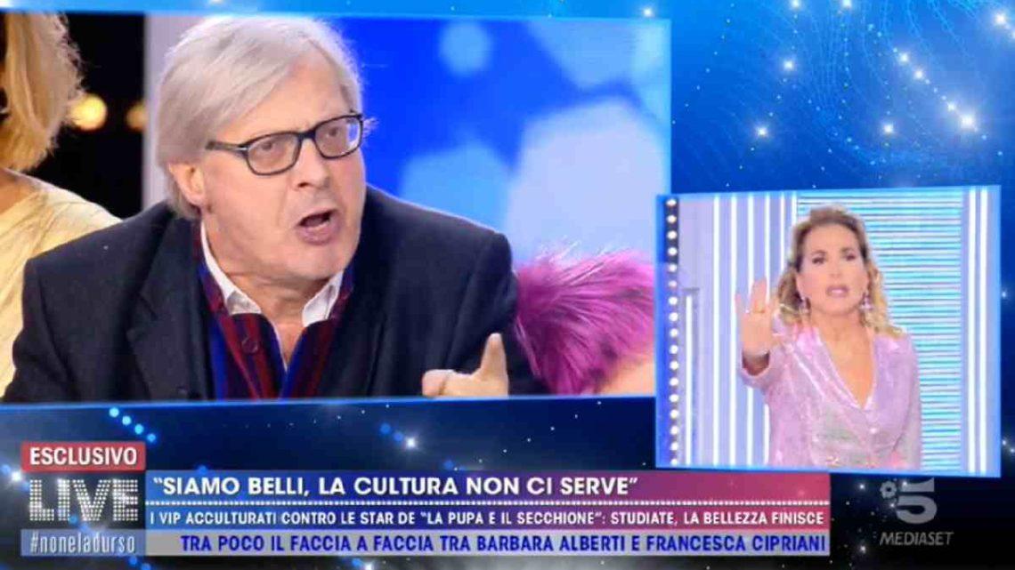 """Mediaset ha allontanato Vittorio Sgarbi? Parla lui: """"Tutto sospeso per il virus d'Urso"""""""