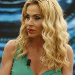"""Valeria Marini, rivelazione hot: """"Mi sono cambiata le mutande davanti alle telecamere"""""""