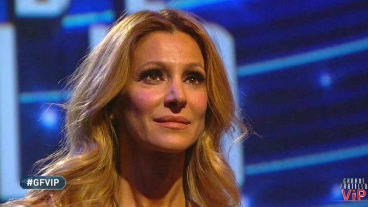"""Adriana Volpe sbotta dopo la lettera del marito: """"Ora inizia il gioco"""""""
