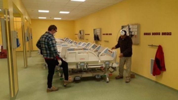 """Fedez mostra il reparto di terapia intensiva realizzato grazie alla raccolta fondi: """"Venerdì 20 sarà pronto per il collaudo"""""""