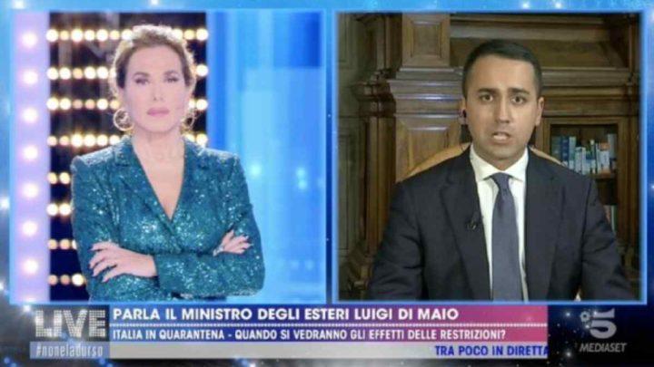 """Luigi Di Maio a Live-Non è la d'Urso, Coronavirus: """"Ce la stiamo mettendo tutta, in arrivo 5 milioni di mascherine"""""""
