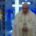 Ascolti TV primetime, venerdì 27 marzo 2020: La Benedizione Urbi et Orbi di Papa Francesco al 32.7%, Amici di Maria De Filippi al 20.5%