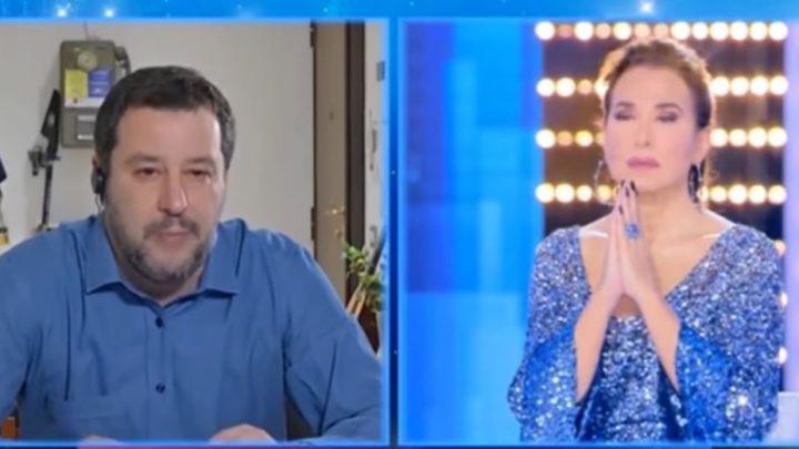 Live – Non è la d'Urso: Salvini dedica in diretta un 'Eterno riposo' alle vittime del Coronavirus – VIDEO