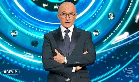 La bomba di Davide Maggio: il Grande Fratello NIP sarà affidato ad Alfonso Signorini (che scalza la D'Urso)