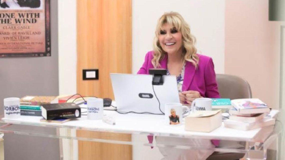 Uomini e Donne, oggi: Tina Cipollari lancia un appello ai corteggiatori di Gemma Galgani