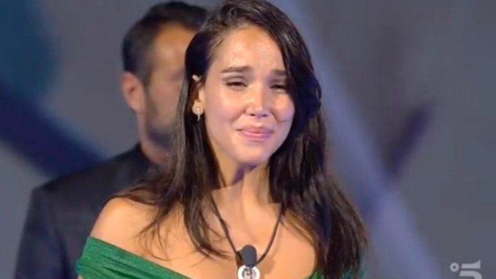 Grande Fratello Vip: Paola Di Benedetto vince e dona l'intero montepremi in beneficenza
