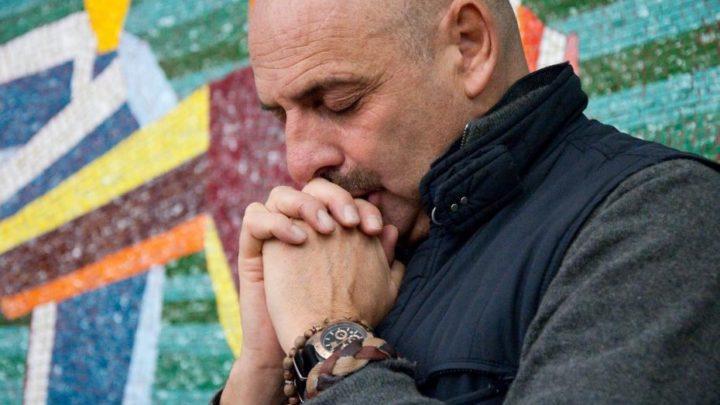 """Coronavirus, l'attacco di Paolo Brosio al Governo: """"Ha scelto di affidarsi alla scienza e non a Dio"""""""