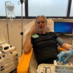"""Andrea Bocelli ha avuto il Coronavirus: """"Ora dono il plasma per aiutare"""""""
