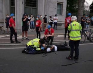 Botte per Brumotti: nuova aggressione per l'inviato di Striscia La Notizia