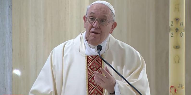 """Domenica 10 maggio 2020, il vangelo del giorno e le parole del Papa: """"Chiediamo al Signore per l'Europa che cresca unita"""""""
