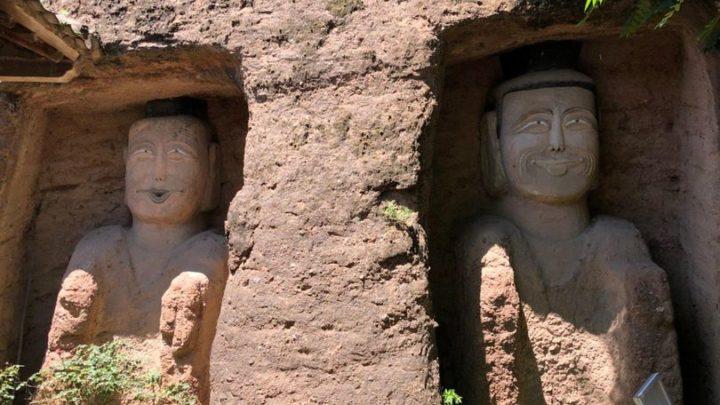 """Buddha """"sorridenti"""", il restauro è esilarante: le foto fanno il giro del web"""