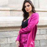 """Ludovica Valli preoccupa i fan: """"Sto male, fisicamente e psicologicamente"""""""