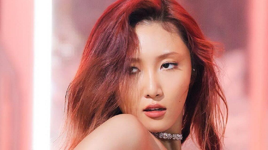 Chi è Hwasa, cantante Kpop, e perché è stata accusata di razzismo?