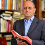 """Chi è Mauro Biglino? Biografia e curiosità sull'autore de """"Il Dio alieno della Bibbia"""""""