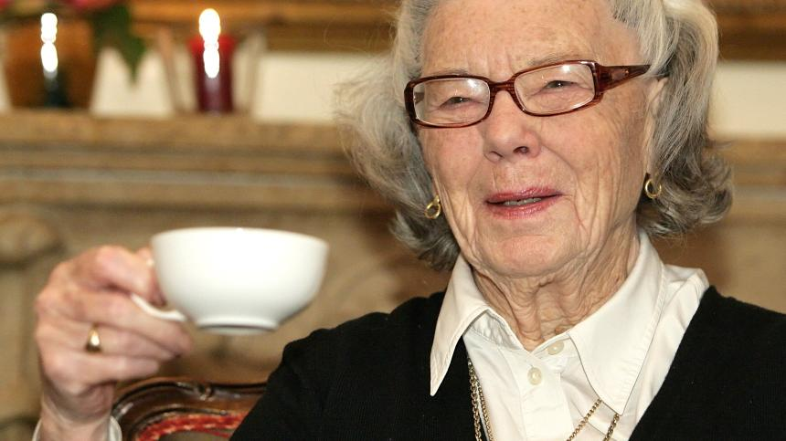 Chi è Rosamunde Pilcher, curiosità e biografia della scrittrice britannica