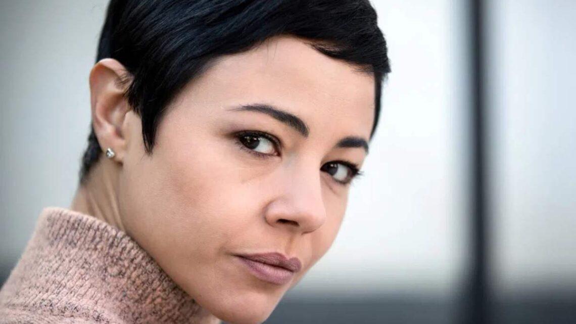 Chi è Alessia Caciotti Navarro, la moglie di Pino Insegno? Biografia, curiosità e carriera dell'attrice