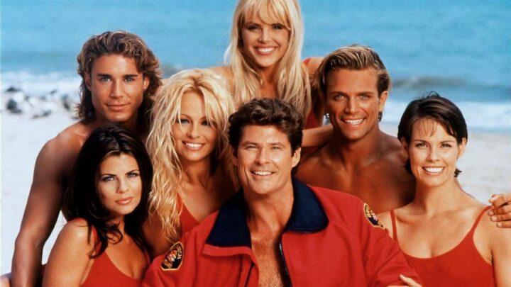 Baywatch, tra film e serie tv: curiosità e protagonisti della saga