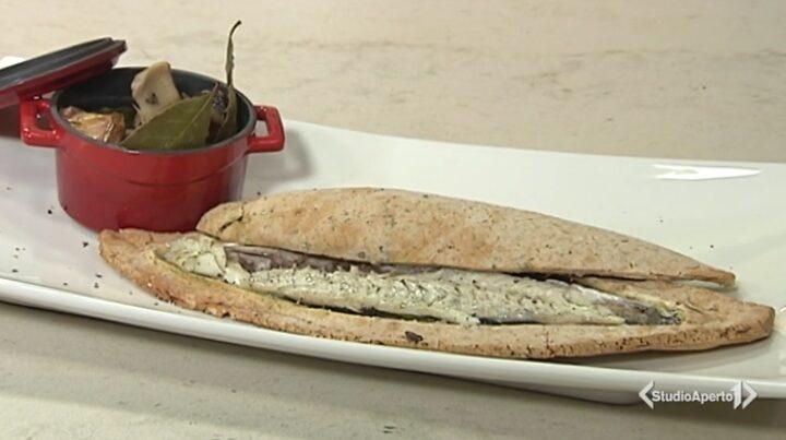 Cotto e Mangiato, ricetta 23 settembre 2020: branzino in crosta con funghi porcini