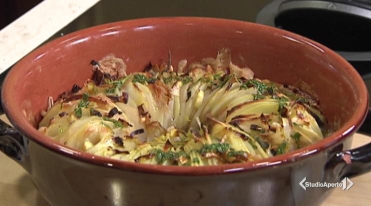 Cotto e Mangiato, ricetta 30 settembre 2020: millefoglie di patate con guanciale e taleggio