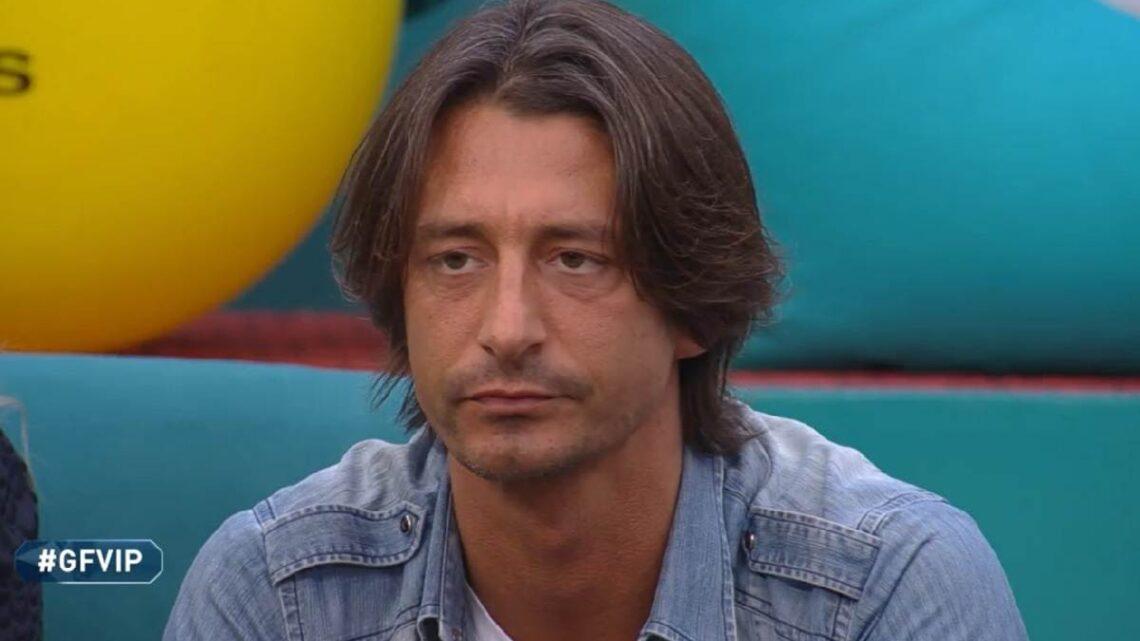 """Francesco Oppini replica alla madre: """"La ringrazio ma me la so cavare da solo"""""""