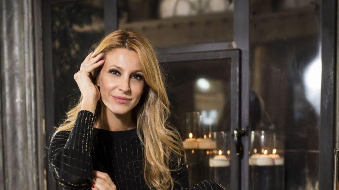 """Adriana Volpe è di nuovo single? Ecco cosa dicono le ultime indiscrezioni di Alfonso Signorini apparse su """"Chi"""""""