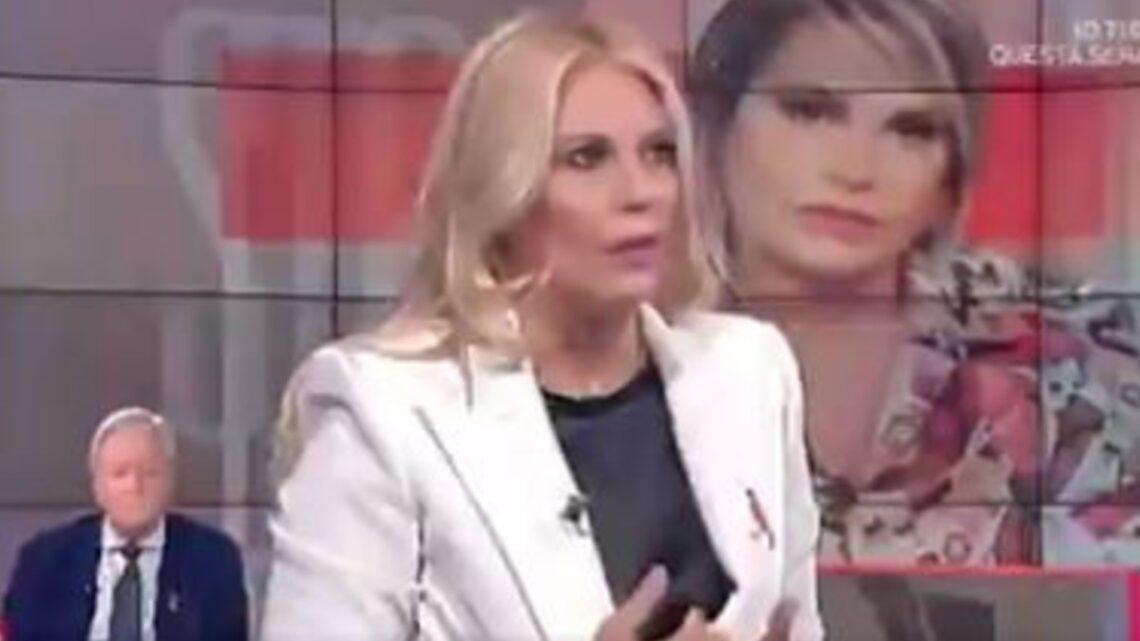 """Eleonora Daniele all'attacco della Ferragni: """"Non le ho sentito dire nulla riguardo al Covid"""". Twitter non perdona"""