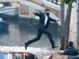 Tom Cruise salta tra due barche