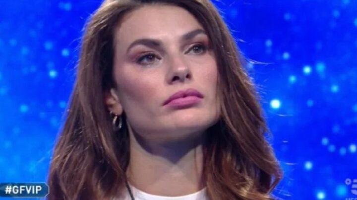 """Dayane Mello in lacrime al Grande Fratello Vip: """"Ero una bambina dimenticata"""""""